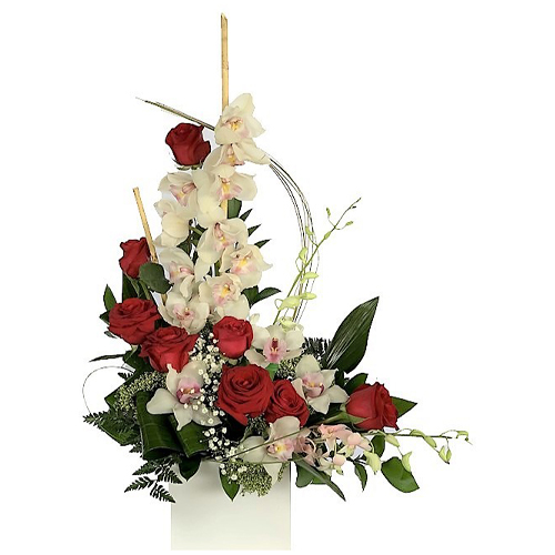 Orchids,-roses,-lineal-flower-arrangement