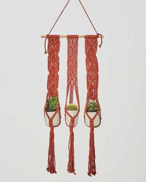 Leon Plant Hanger Tile Red Made in Nicaragua
