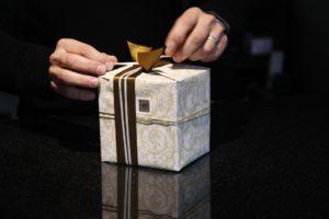 gift-402199_960_720