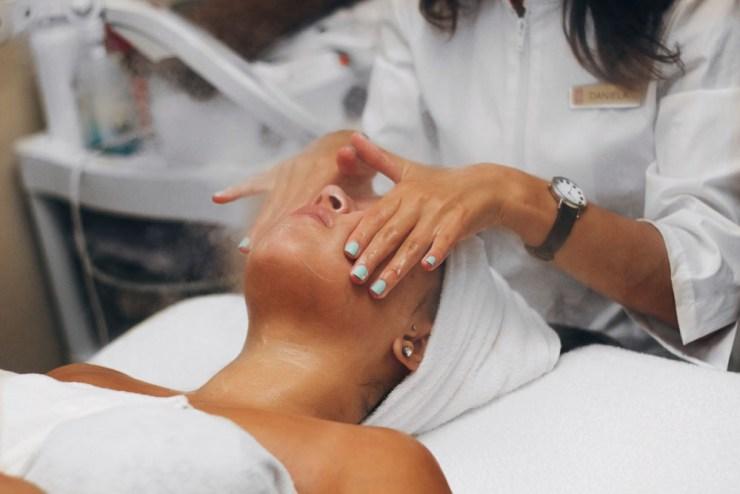 Beauty Skincare Facial Red Door Spa