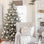 2019 Christmas Living Room Love Grows Wild