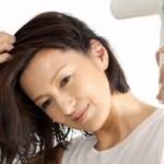 梅雨ペタンコになる髪を対策する方法は?スタイリングの仕方や髪型のオススメは?