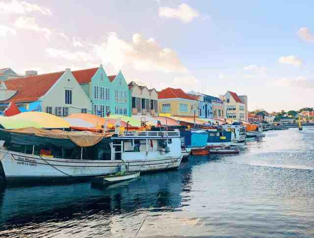 Floating market from Venezuela, one of the top things to do in Curacao