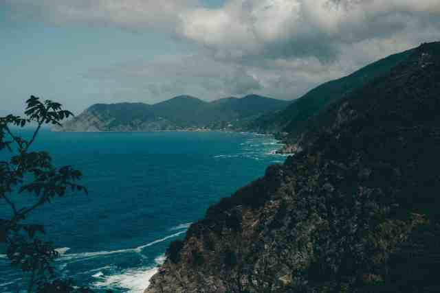 Cliffside views from hiking Vernazza to Monterosso