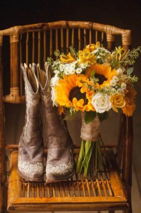 wedding-cowboy-boots-sunflower-bouquet