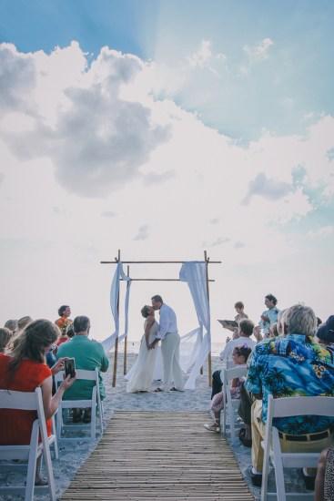 palm-island-beach-wedding-80
