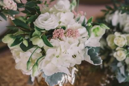 blush-and-gold-wedding-flowers-winter-nova-markina-photography