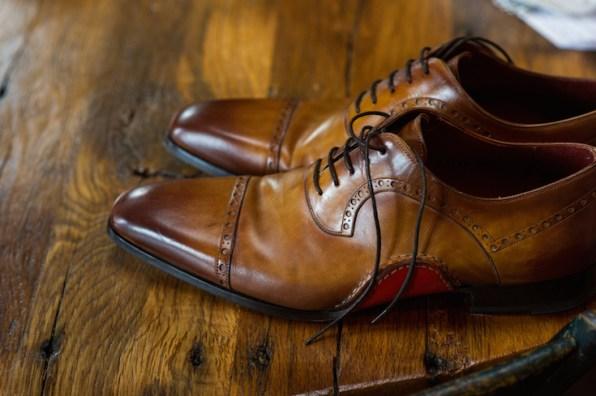 groom-shoe-shot-cusic-photography