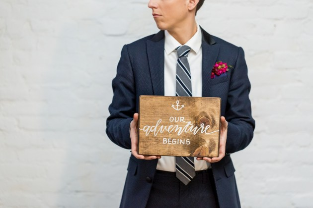 wooden-nautical-wedding-signage