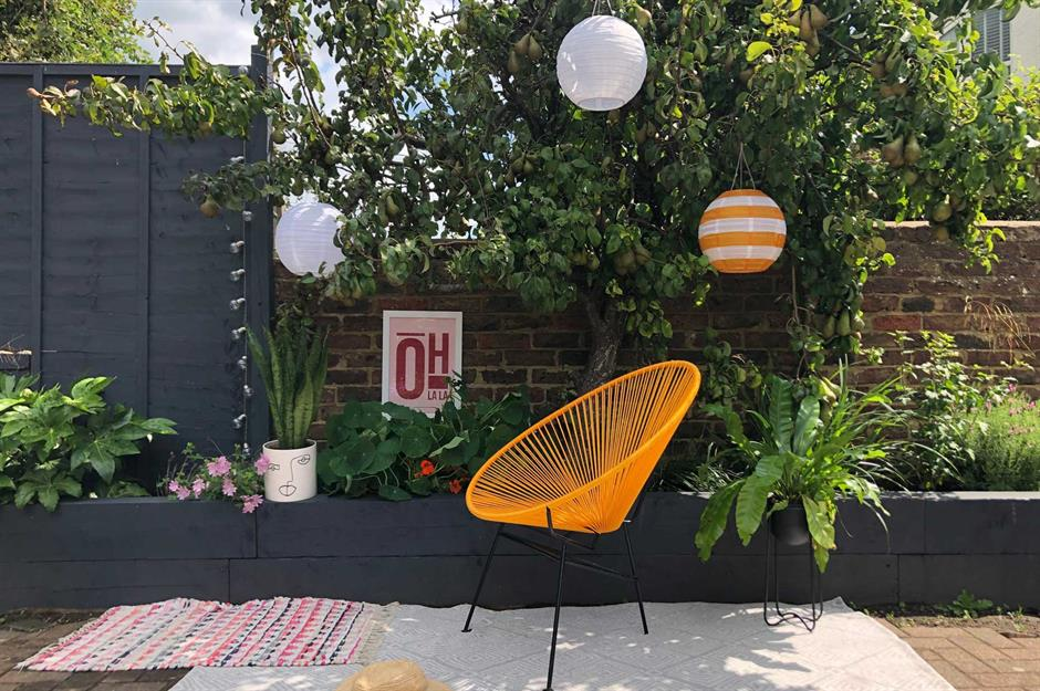 Stylish But Simple Small Garden Ideas Loveproperty Com