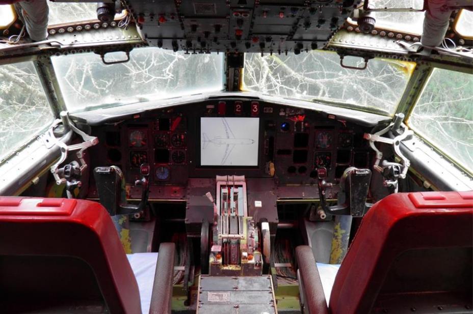 Кабина экипажа до сих пор славное зрелище для любителей авиации.