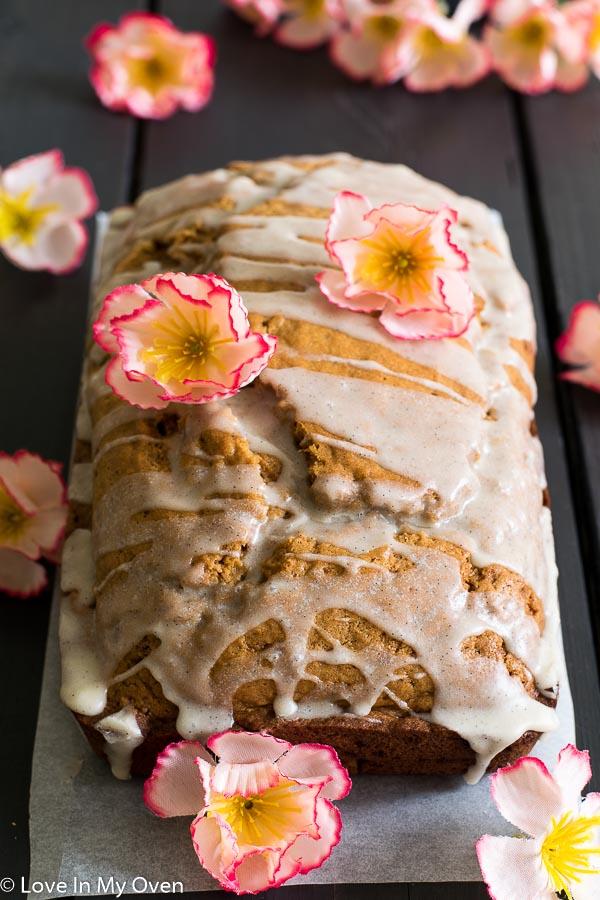vanilla bean rooibos bread