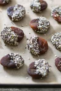Chocolate Chia Apricots