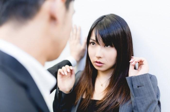 やってはならない職場の好きな人への態度5つの禁則事項
