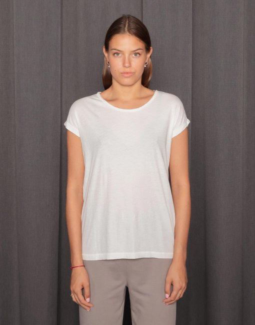 Model tragebild rundhals t-shirt