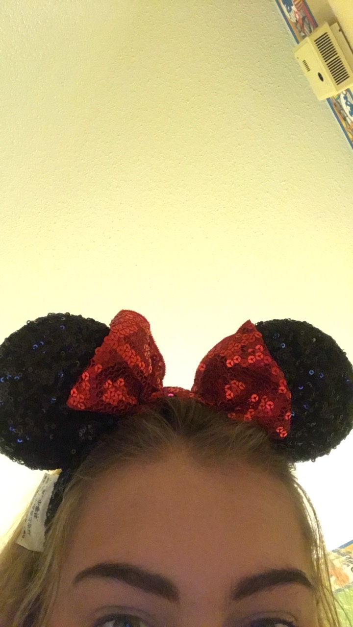 Sequinned Minnie Mouse ears