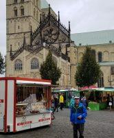 Ed-at-St.-Paulus-Dom-market