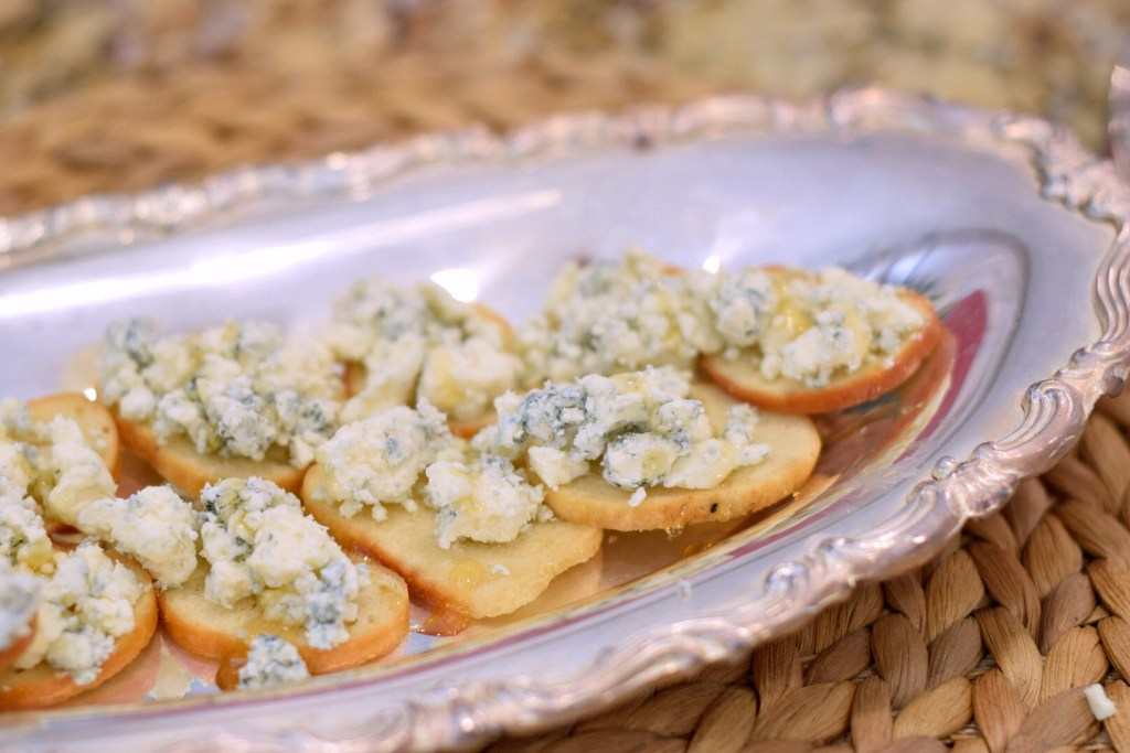 Blue cheese & honey appetizers