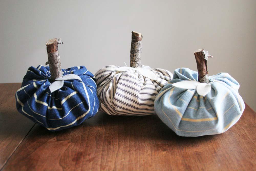Fabric Pumpkins via Craftivity Designs