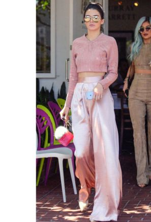 gallery-1436637223-kendall-jenner-style-update