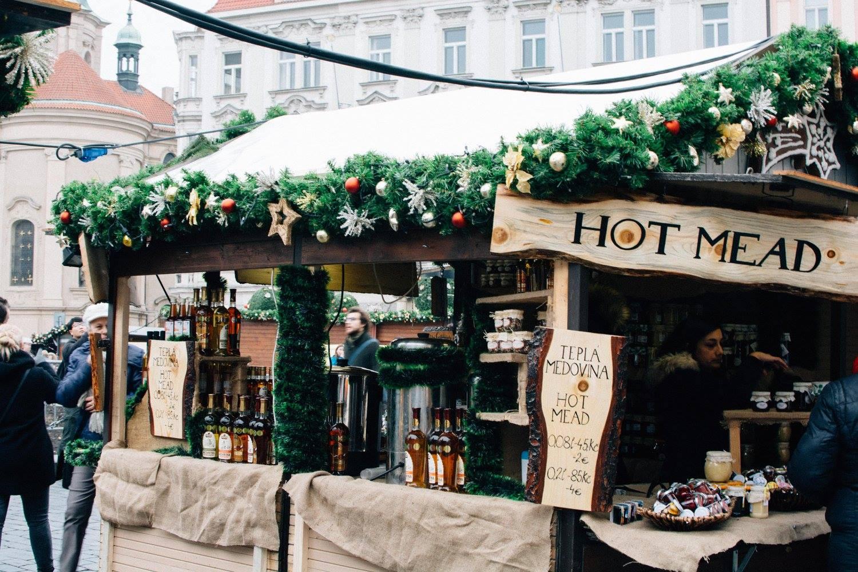 prague christmas market - lovelaughexplore.com
