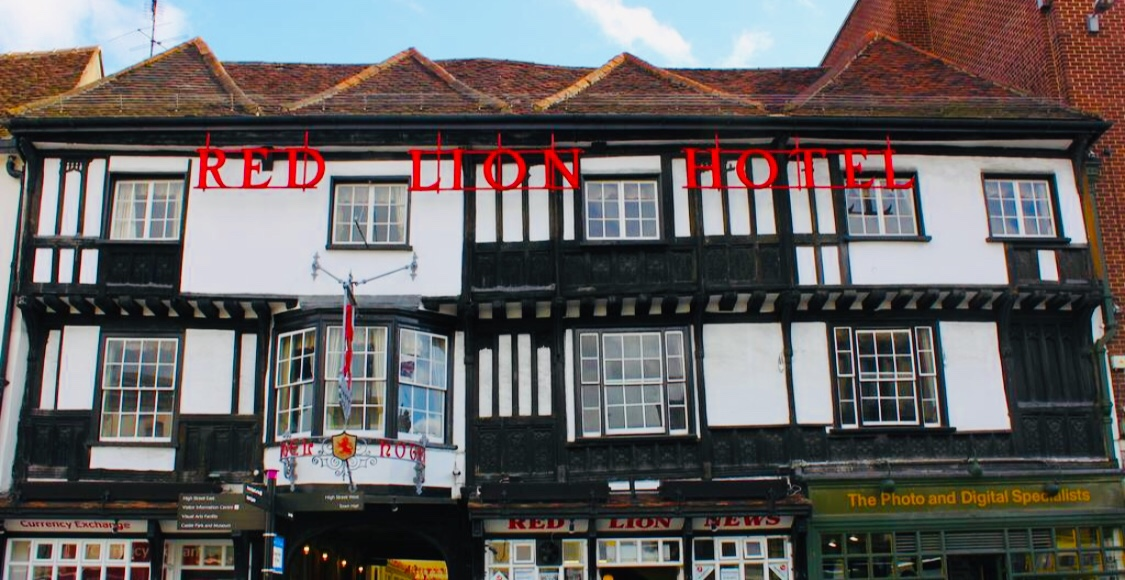 Brook Red Lion Hotel front of hotel. Staying In a Haunted Hotel-Essex