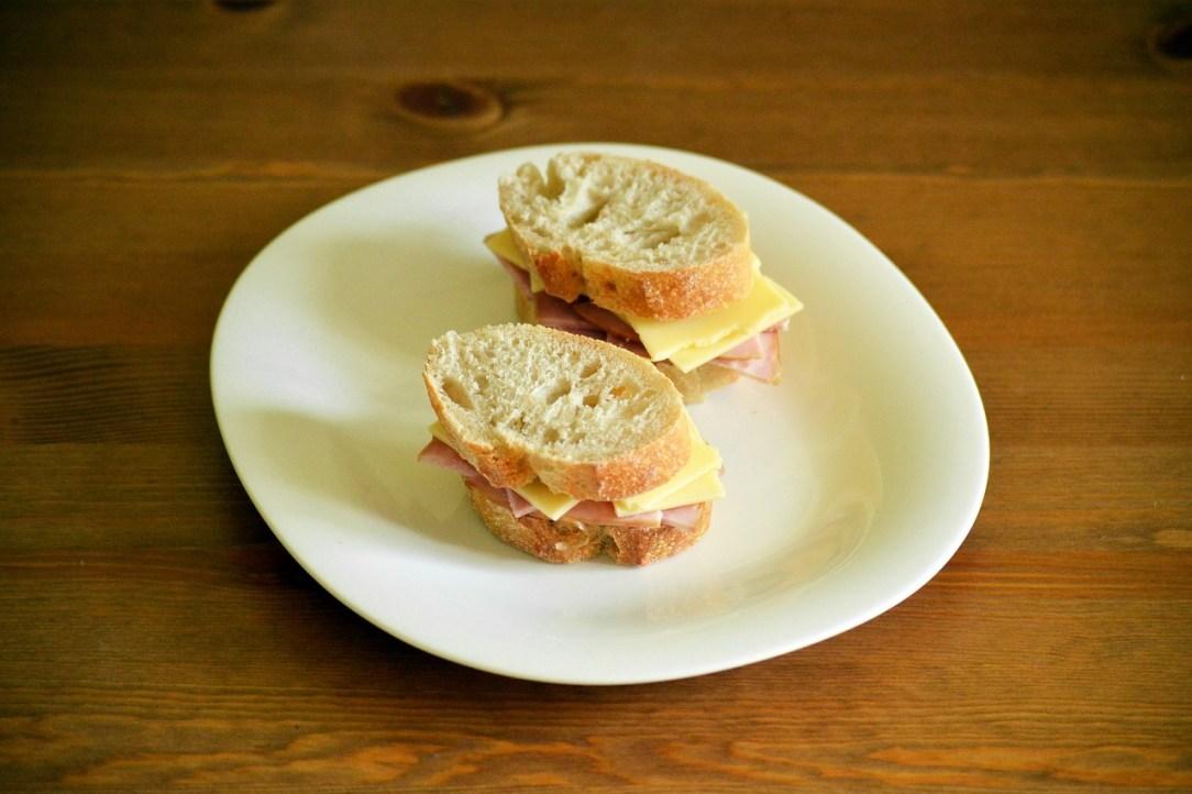 sandwich-1379338_1280.jpg