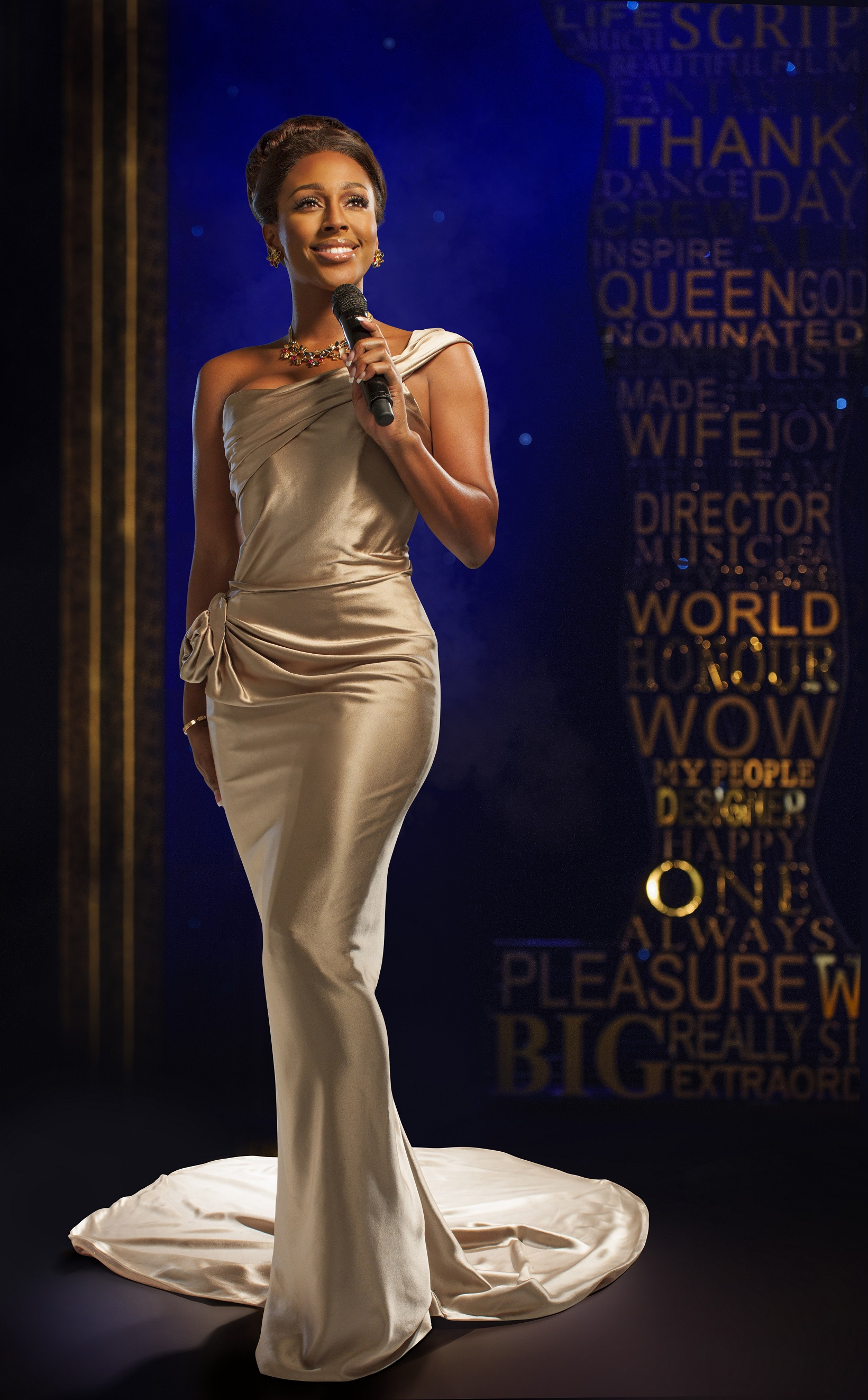 Alexandra Burke in THE BODYGUARD . Photo by Uli Weber.jpg