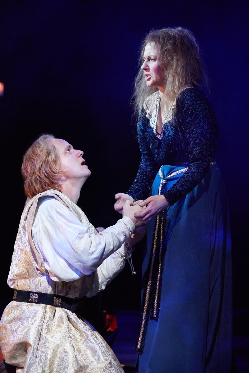 Jamie Ballard and Lisa Dillon. King John at The Rose Theatre.  Photo by Mark Douet _31B3939.jpg