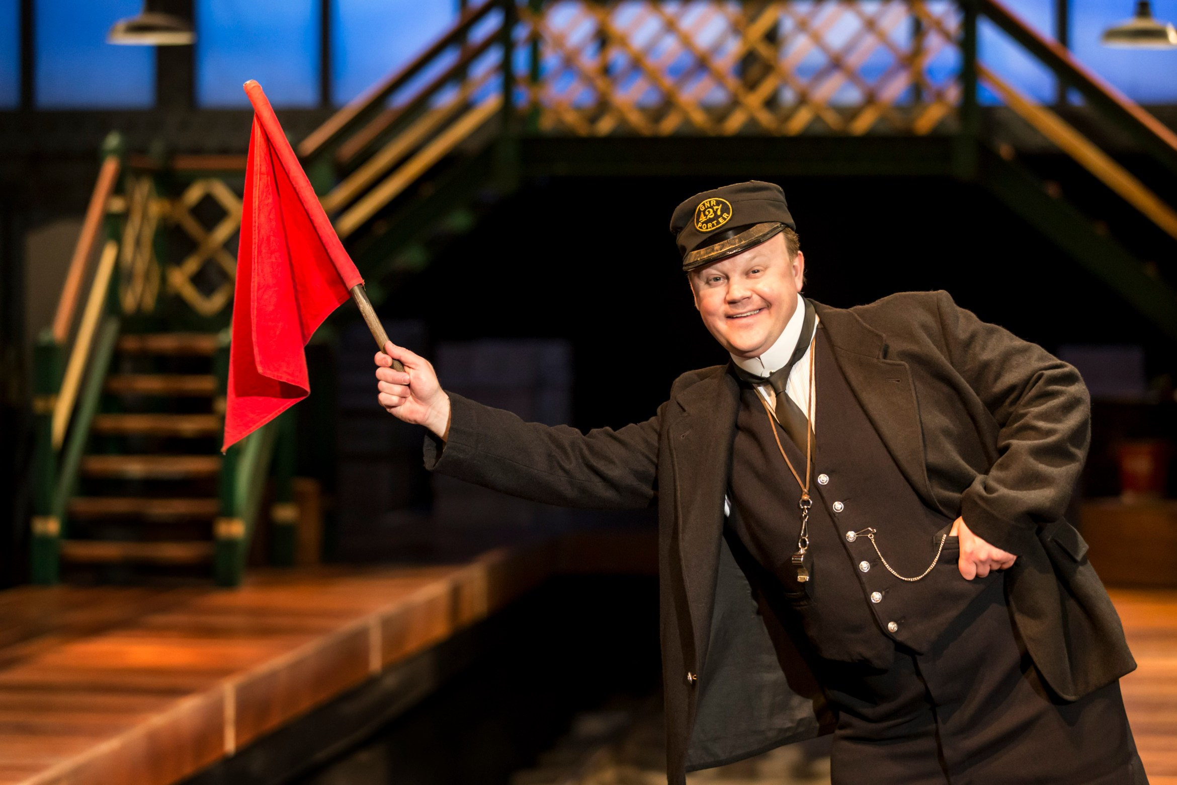 Justin Fletcher as Mr Perks in The Railway Children. Credit Johan Persson (2).jpg