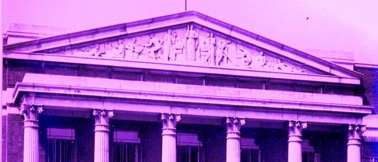 front-of-art-school-pink-c-vestry-house-museum