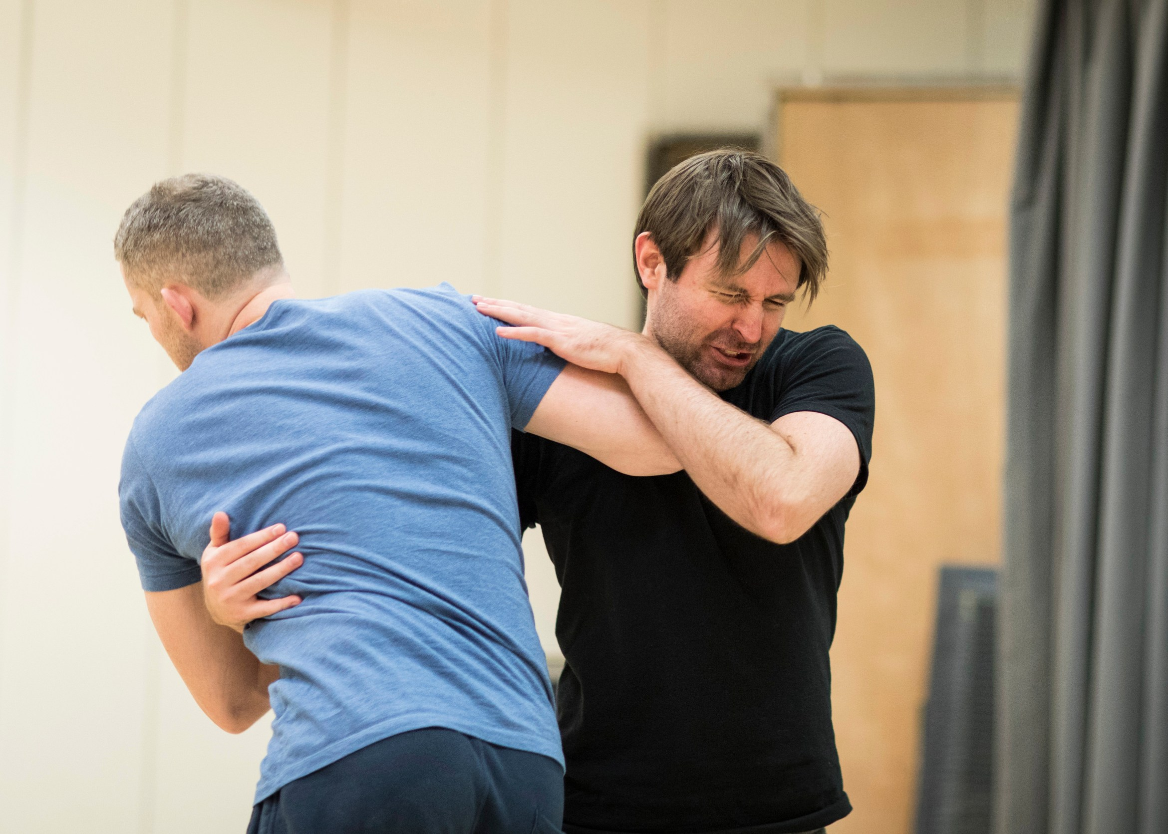 Russell Tovey and James McArdle rehearse AngelsinAmerica216 (c) Helen Maybanks.jpg
