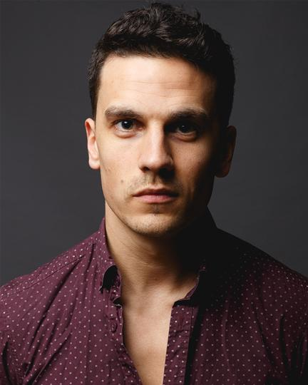 Aaron Sidwell. Photo Credit Darren Bell