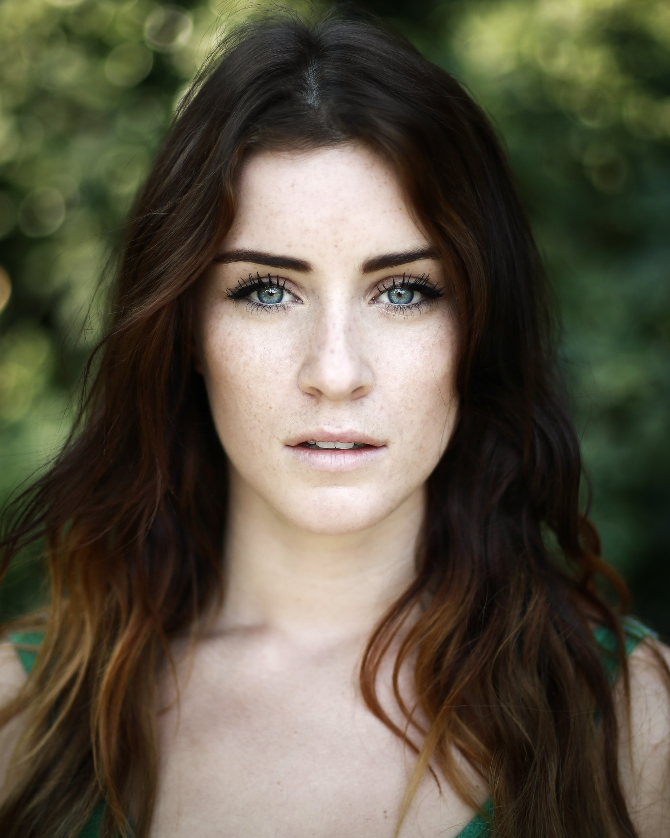 Headshot - Lucie Jones (2)