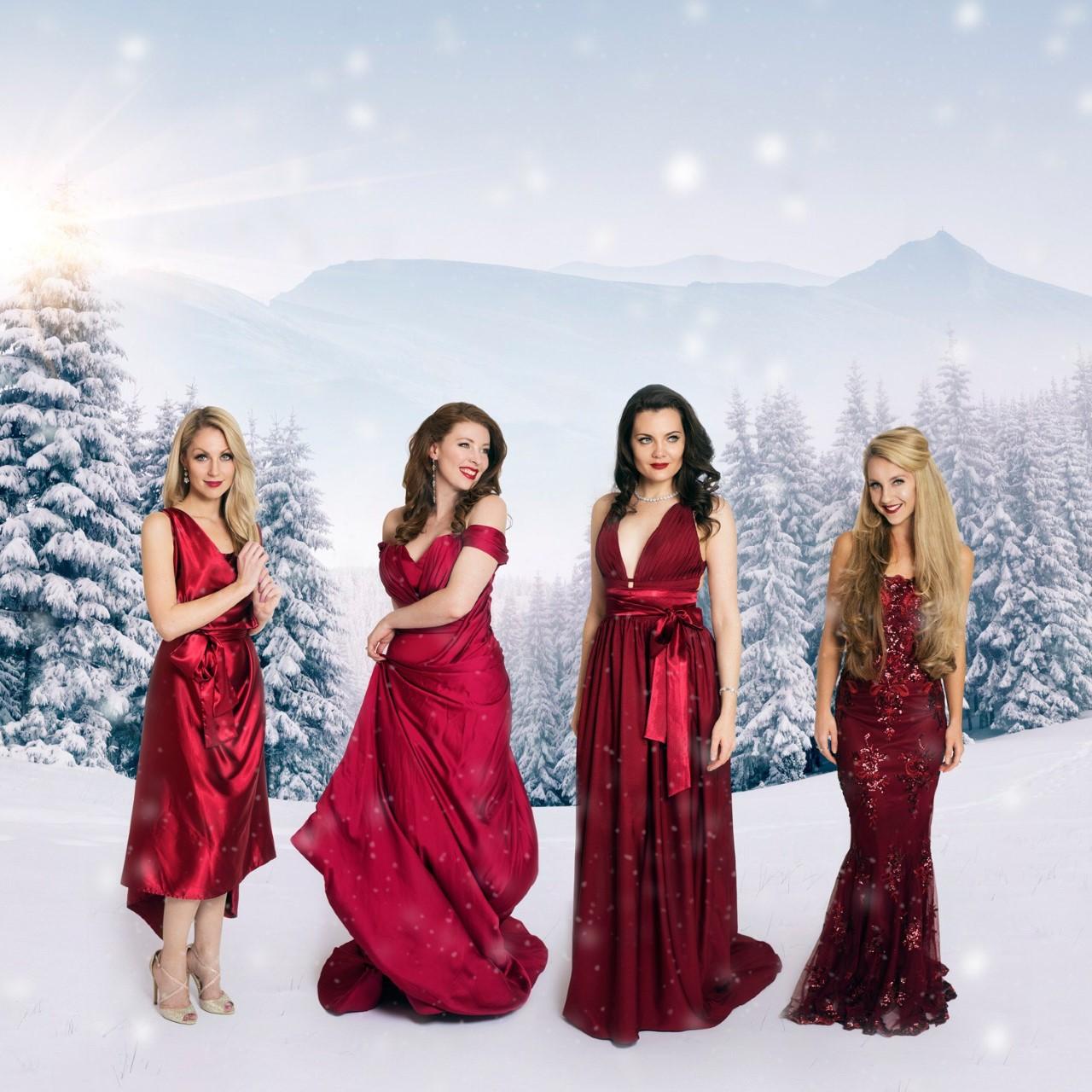Ida _Christmas (L-R Sarah Laura Wendy Georgi)