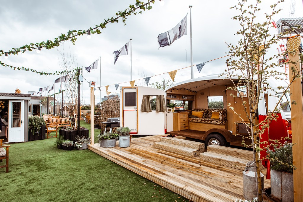43ae9c4563e1 Launching on the 19th April and inspired by the nation's love of music,  food and entertainment, John Lewis & Partners has announced the launch of  Roof Fest ...