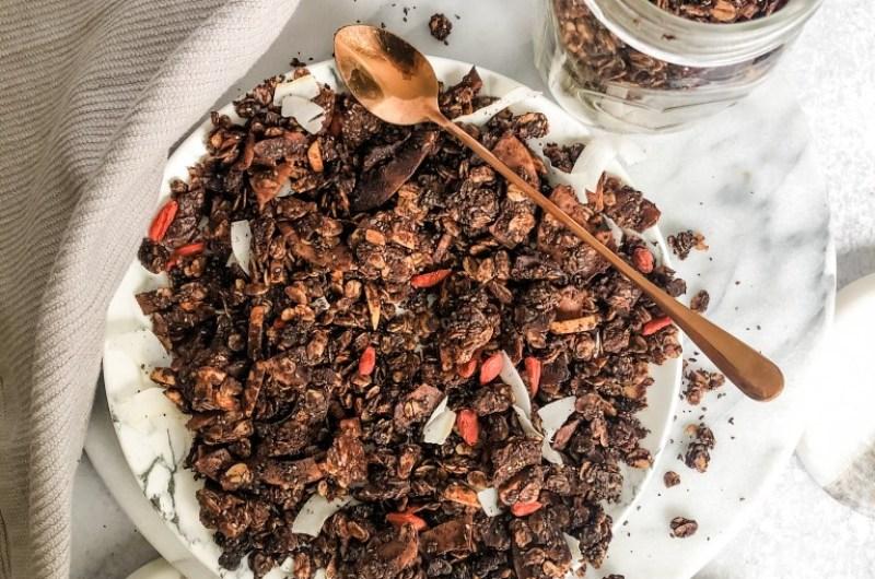 Easy Healthy Chocolate Granola
