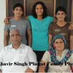 "Mahavir Phogat Biography Full Story in Hindi ""Dangal"" Real Mahavir Singh Phogat Life/Family Images"