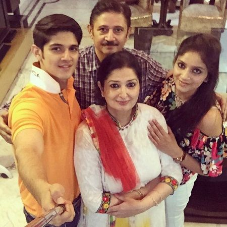 Rohan Mehra Bigboss Age/GF/Affairs/ Height Rohan Mehra With