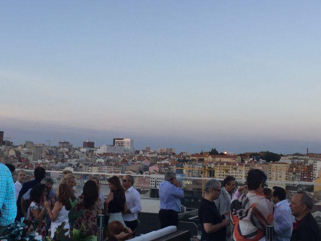 vista panorâmica da cidade de lisboa rooftop level eight rua castilho lisboa portugal