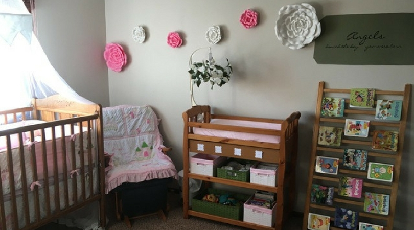 How to Create and Organize a Baby Girl Nursery