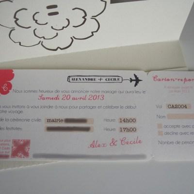 Sous forme de billet d'avion avec coupon réponse détachable.