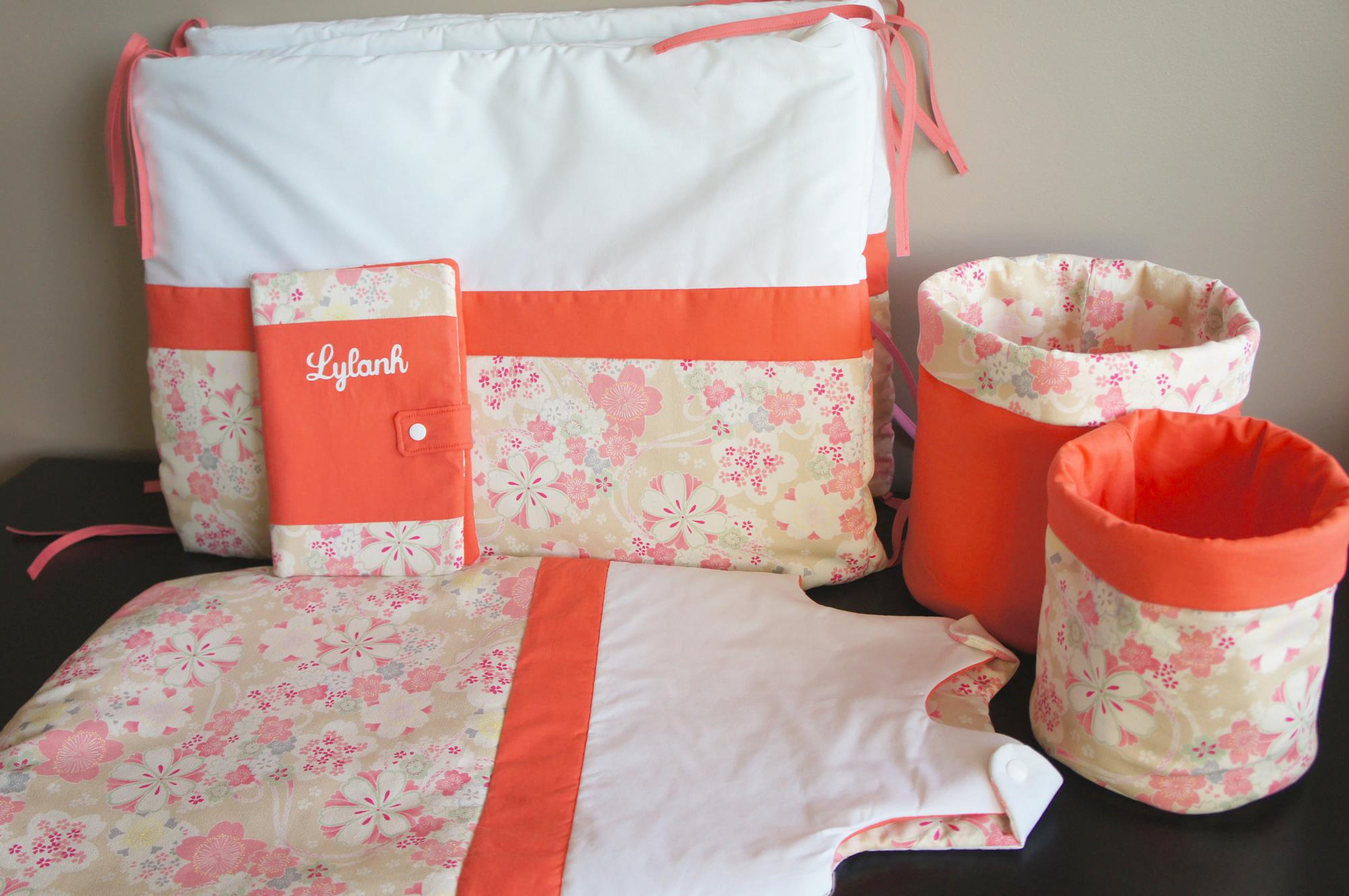 Ensemble personnalisé pour chambre bébé, tissus japonais, blanc et corail