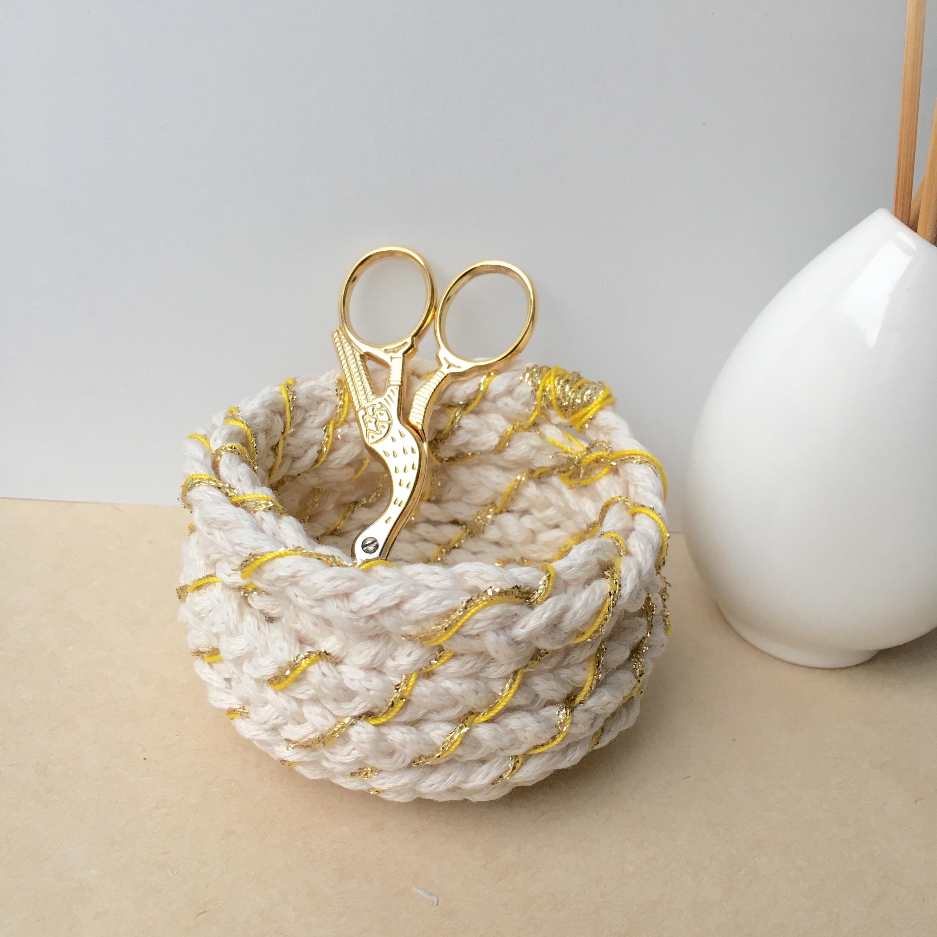 Panier en corde tissée