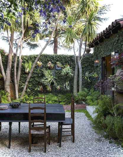 40 Insane Vintage Garden furniture Ideas for Outdoor Living22