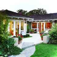 Awesome Cottage House Exterior Ideas Ranch Style 16
