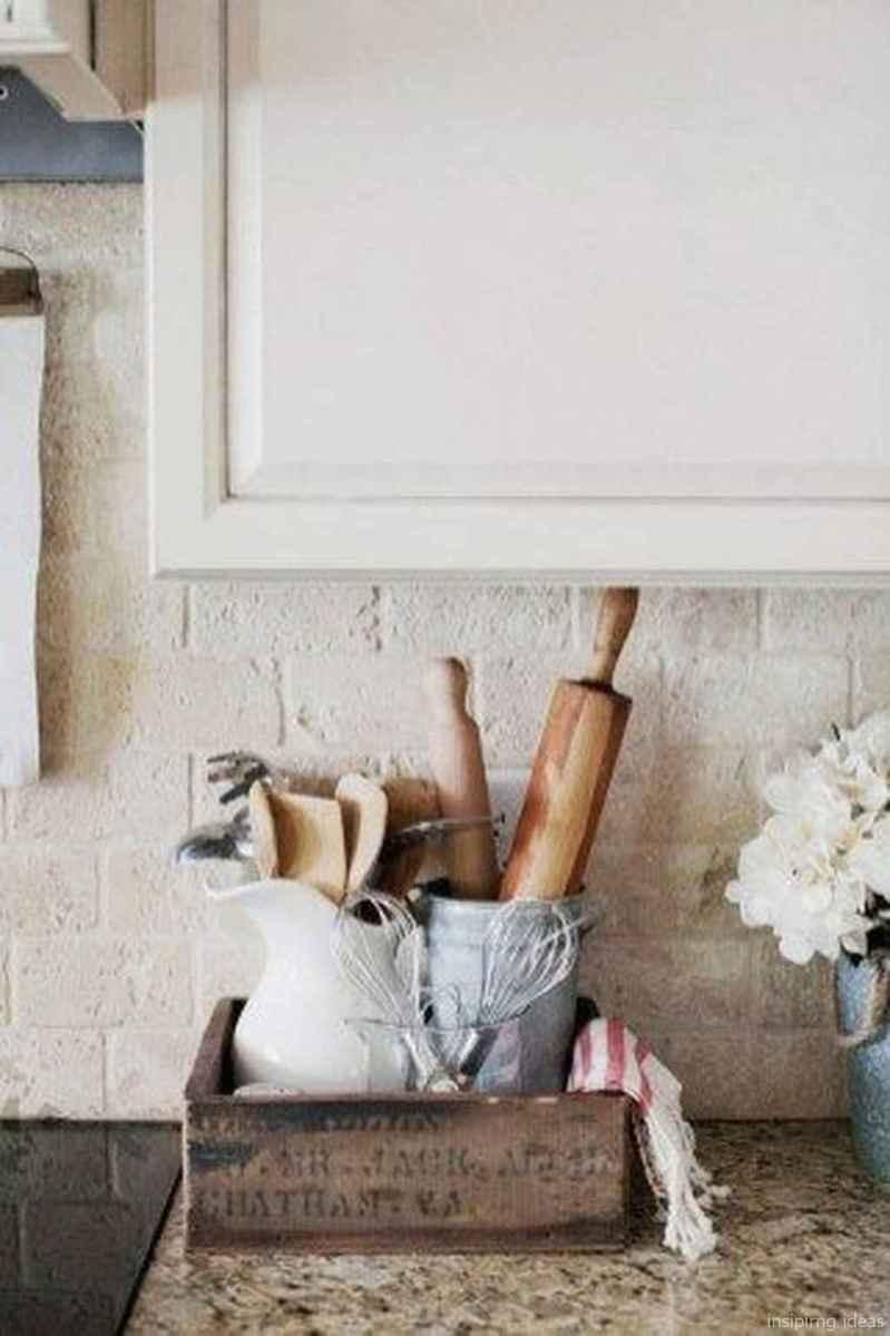 Rustic Farmhouse Home Decor Ideas 11