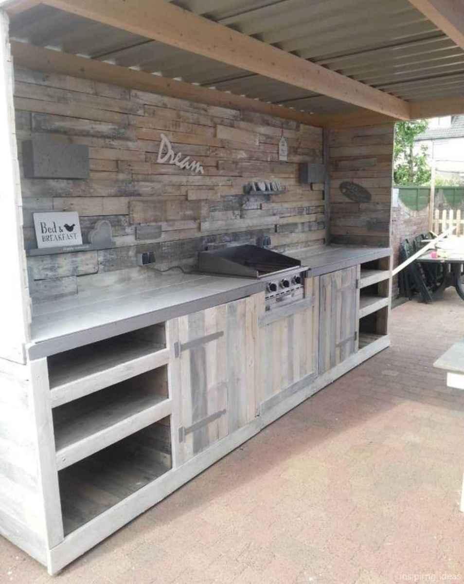 01 Nice DIY Pallet Bar Design Ideas