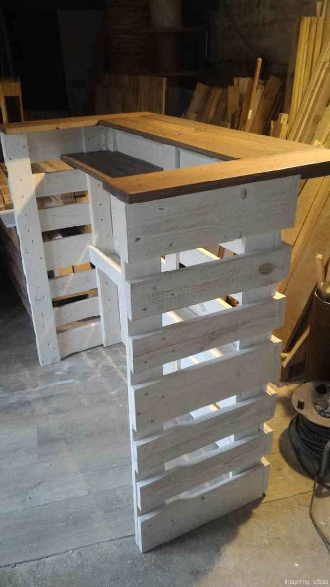 26 Nice DIY Pallet Bar Design Ideas
