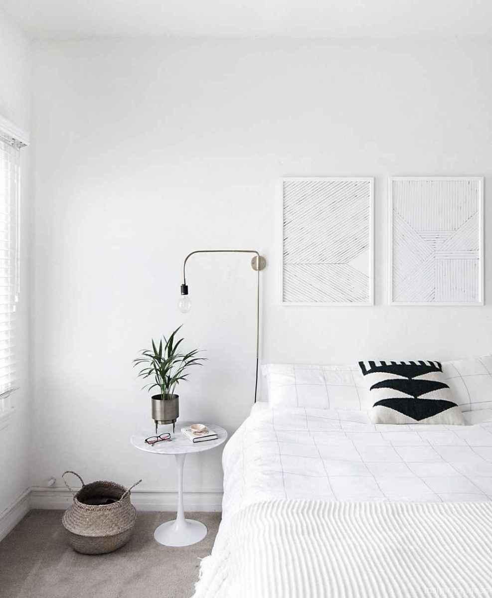 Minimalist Apartment Bedroom Decorating Ideas 35
